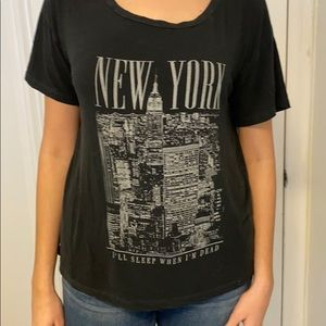 BRANDY MELVILLE New York Graphic Tee size small